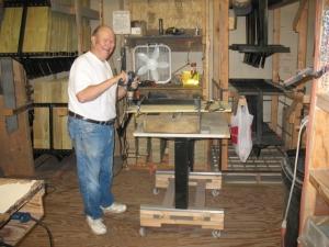 Bellinghausen Bob assembles.xxx floorboards June 2010