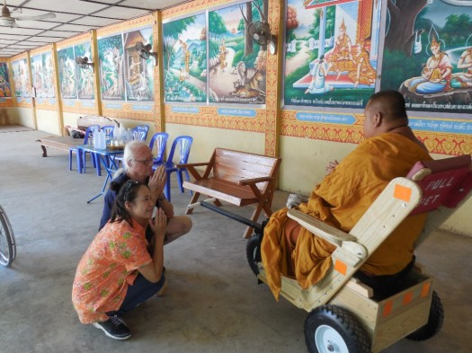 130 kg diabetic amputee Thai monk presented with PET pull cart