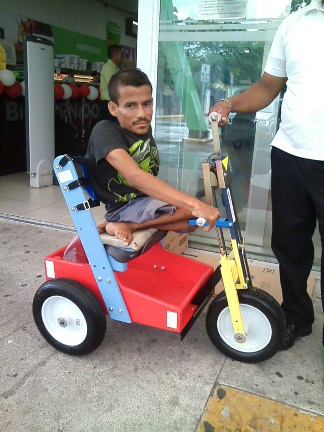 Pastor Mario delivered this PET to the young man in La Ceiba, Honduras. We will visit him in June for follow up.